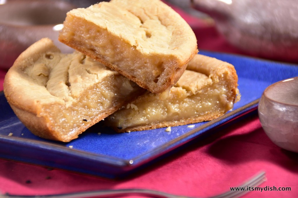 the sweet rice cake also known as the chinese new year cake ...